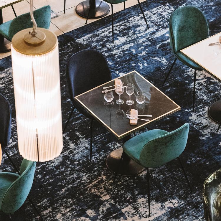Table restaurant Ardamez