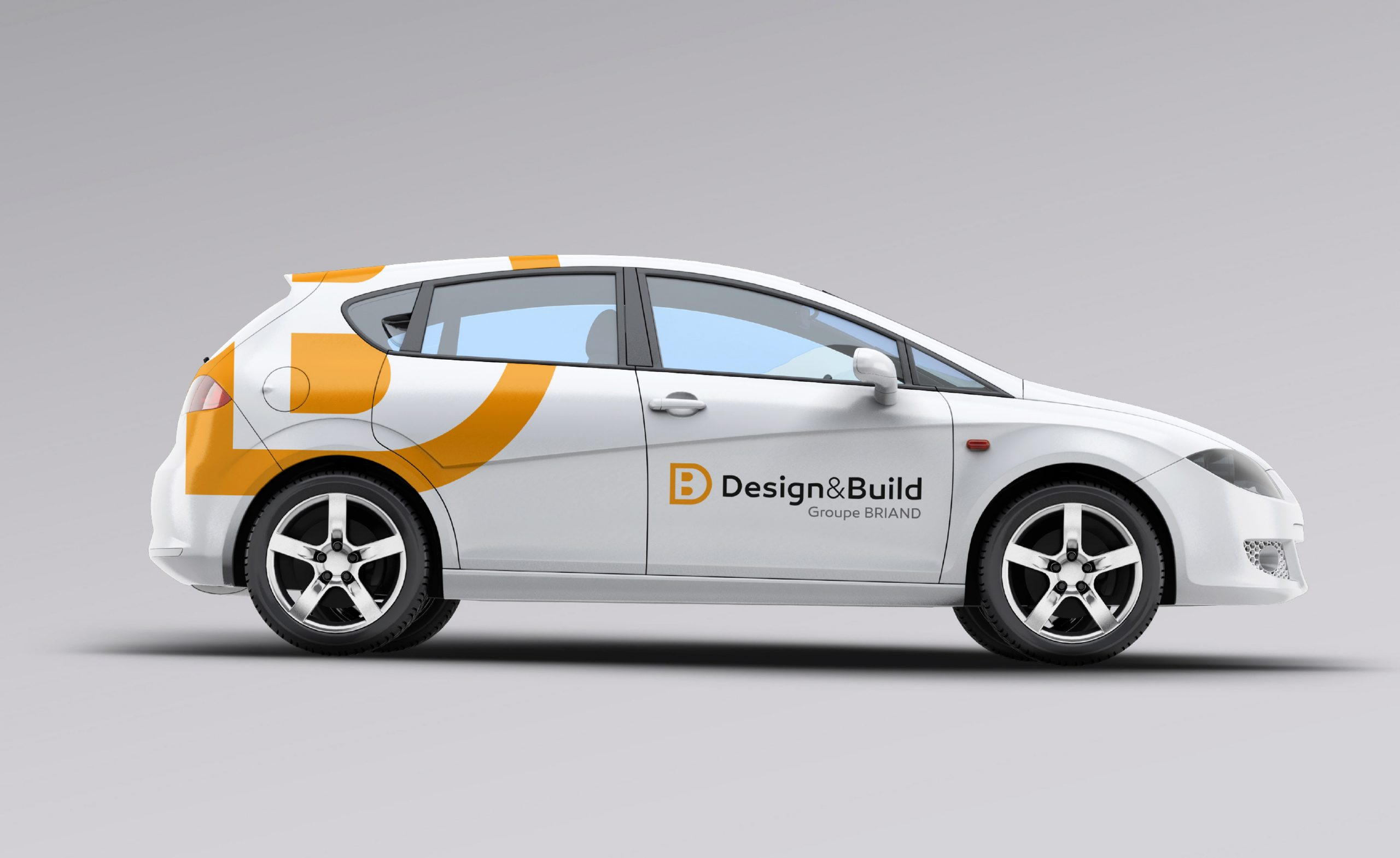 Déclinaisons logo Design & Build sur voiture